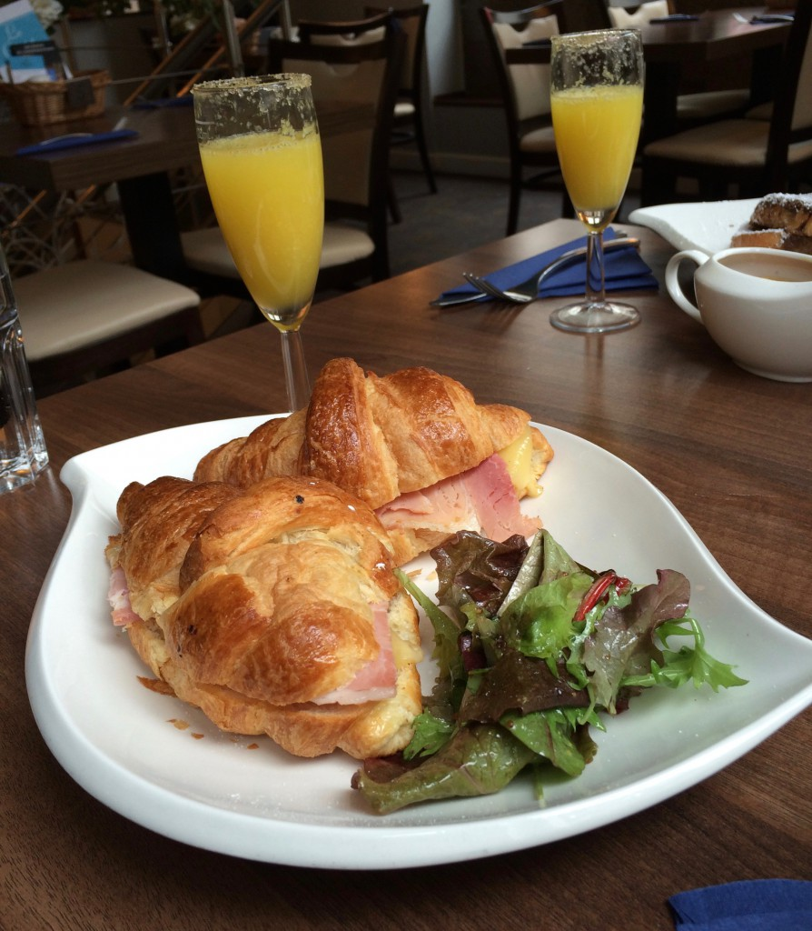 Croissant and mimosas