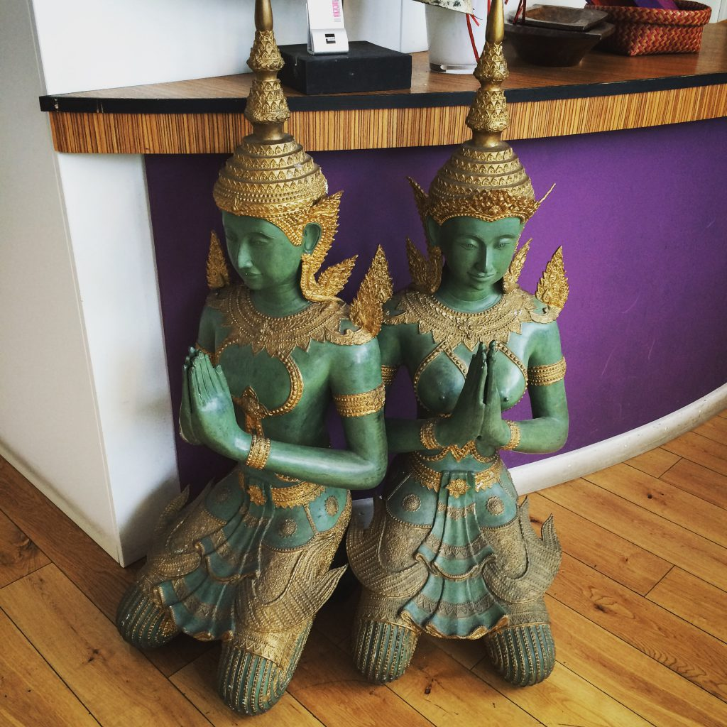Statues in Thai Edge