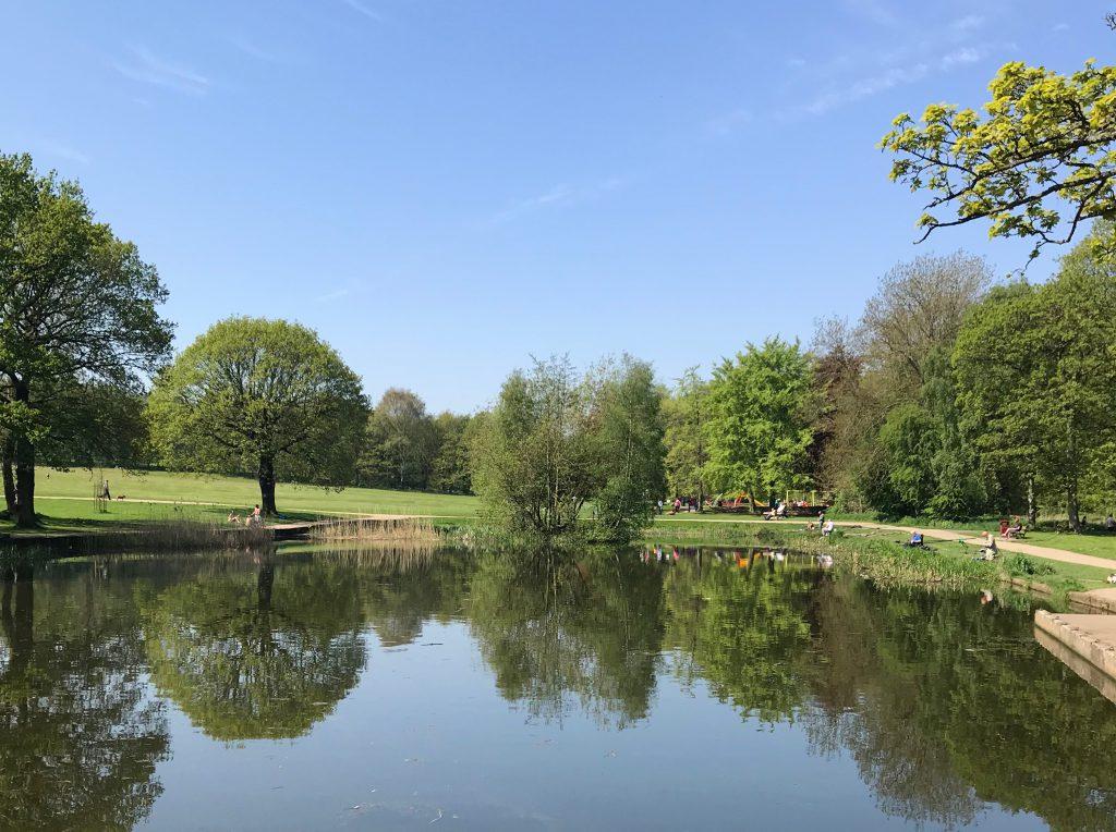 Lake in the sunshine in Middleton Park